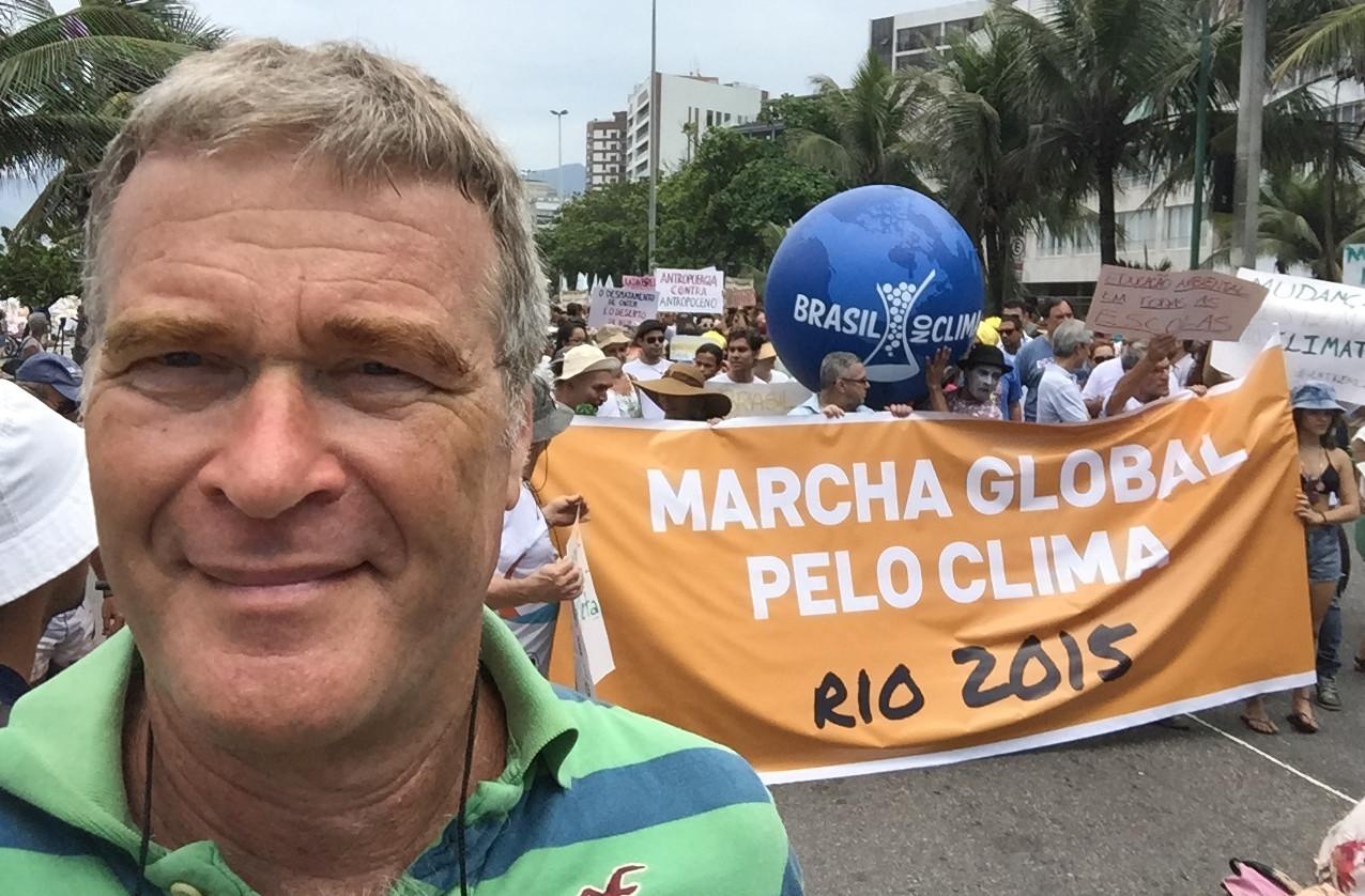 Alfredo Sirkis durante a Marcha pelo Clima no Rio, antes da COP21 (Foto: arquivo pessoal)