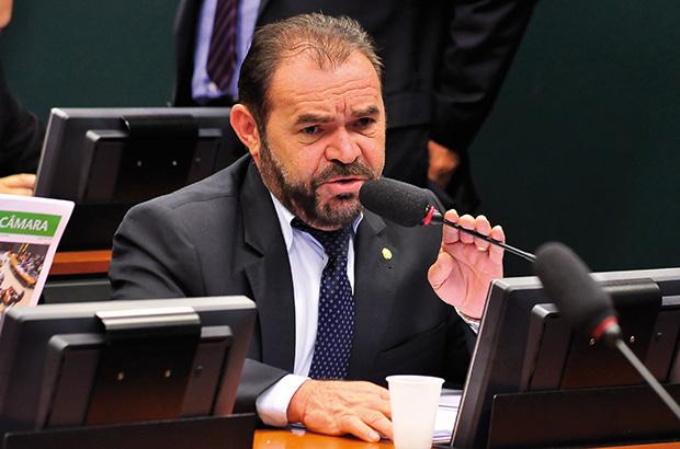 O deputado Chapadinha: corte sobre o corte (Foto: Câmara dos Deputados)