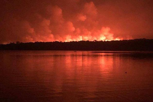 Incêndio em Alter do Chão em setembro (Foto: Eugênio Scannavino)