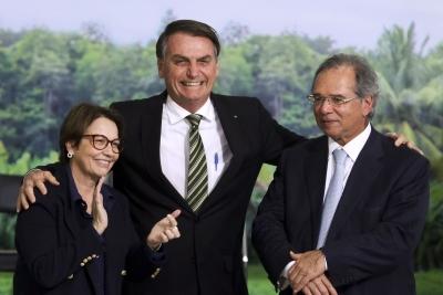 Trio responsável pela revogação do decreto do zoneamento ambiental da cana-de-açúcar. Foto: Valter Campanato/Agência Brasil