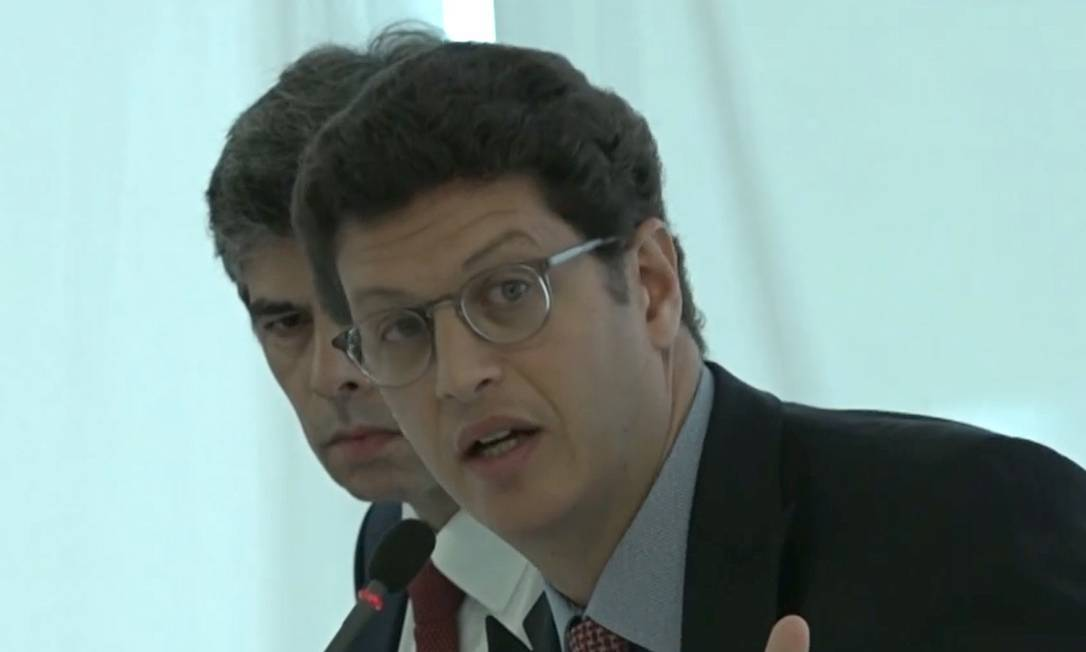 """Ricardo Salles fala em aproveitar distração da imprensa para """"passar a boiada"""", durante reunião ministerial em 22/04/2020. Foto: Reprodução vídeo"""